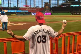 Chucho Flash lanza pelota: Marlins vs. Tampa Bay